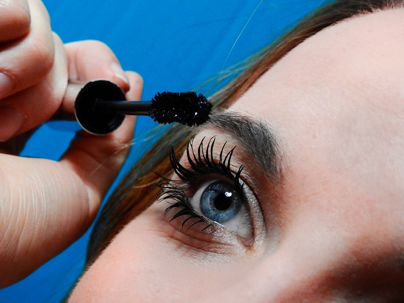 Removing Your Waterproof Mascara Lashes